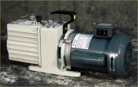 Vacuum pump LEYBOLD